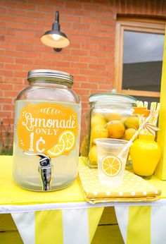 Lemonade stand from