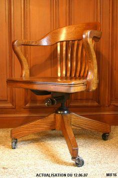Contemporary Desk, Antique Desk, Reading Nooks, Writing Desk, Desks, Vintage Furniture, Game Room, Filing Cabinet, Donald Duck
