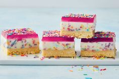 Here's what happens when you turn childhood party favourite fairy bread into a no-bake cheesecake slice. Oh, did we mention it's made with condensed milk and Tim Tams? Fun Desserts, Dessert Recipes, Dessert Salads, Tart Recipes, Curry Recipes, Muffin Recipes, Dessert Ideas, Soup Recipes, Salad Recipes