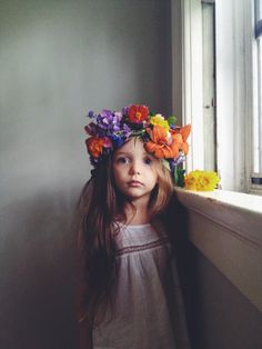 Big flower crown...one day I hope my princess will keep a crown on her head Floral arrangements* Flower Crown* Floral print* Dress* Hair* Floral Ideas
