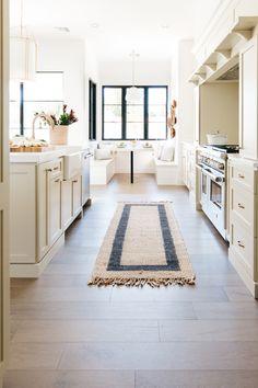 Nook, Kitchen Island, Eat, Home Decor, Island Kitchen, Nooks, Interior Design, Home Interior Design, Zug