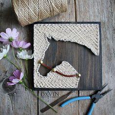 string art horse More (wall art crafts diy) Nail String Art, String Crafts, Crafts To Do, Arts And Crafts, Wood Crafts, String Art Patterns, String Art Tutorials, Doily Patterns, Horse Crafts