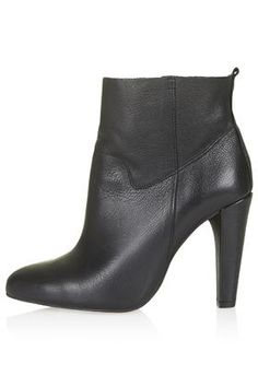 103€ HOURGLASS Pull-On Boots topshop