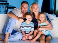 Siz ailenizle daha eğlenceli vakitler geçirin diye, evinizdeki her şeyi tek bir ekrana indirgedik.