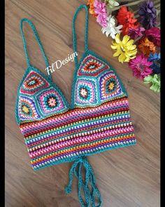 Top Crop Tejido En Crochet, Crochet Shawl, Knit Crochet, Crochet Clothes, Crochet Bikini, Bikini Tops, Boho Chic, Needlework, Crochet Patterns