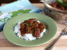 Marha Pörkölt - Learn to make traditional Jewish Hungarian Beef Stew with paprika, green bell peppers and tomato. Goulash, one pot meal, kosher, meat. Hungarian Cuisine, Hungarian Recipes, Jewish Recipes, Hungarian Food, German Recipes, Kosher Recipes, Beef Recipes, Real Food Recipes, Cooking Recipes