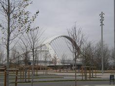 """Zaragoza es una ciudad moderna, con excelentes infraestructuras que acogió la Exposición Internacional del año 2008 bajo el lema """"Agua y Desarrollo Sostenible""""."""