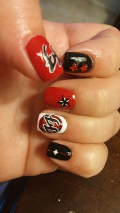 Foo Fighter nails by Jody, part 2