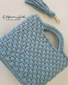 """1,728 Likes, 34 Comments - 💮rose oliveira (@roseoliveira_tartes) on Instagram: """"Boa tarde com essa bolsa linda by @elifnecm_hobi para nossa inspiração 😍💙👏 __ #crochet #bag…"""""""