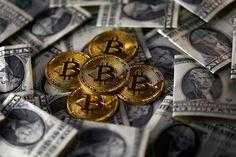 PT Equityworld Futures Pusat – Bitcoin melesat melewati $ 11.000 untuk mencapai rekor tertinggi untuk hari keenam berturut-turut pada hari Rabu setelah mendapatkan lebih dari $ 1.000 hanya dalam 12 jam, memicu kekhawatiran bahwa gelembung yang cepat membengkak dapat diatur untuk meledak dengan cara yang spektakuler.