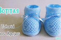 64 Ideas crochet bebe recien nacido verano for 2019 Knit Baby Shoes, Crochet Baby Boots, Knit Baby Booties, Crochet Bebe, Crochet Shoes, Crochet Slippers, Baby Blanket Crochet, Crochet Hooded Scarf, Crochet Scarf Easy