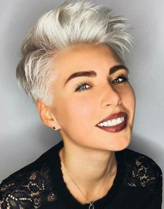 We have hand-picked a ton of pixie haircuts for women, including long and short pixie haircuts, and plenty of other pixie hairstyles in between! Short Haircut Styles, Short Layered Haircuts, Edgy Pixie Haircuts, Short Hair With Layers, Short Hair Cuts, Edgy Short Hair, Short Blonde, Pixie Cuts, Pelo Guay