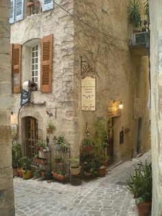 Shop on The Corner, Seillans, Provence, France