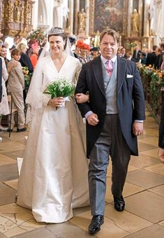 Countess Anna Theresa von und zu Arco-Zinneberg and Colin McKenzie, Sep 2018 Royal Brides, Royal Weddings, Political Science Student, Bridesmaid Dresses, Wedding Dresses, Big Day, Bridal Gowns, Royalty, Lady