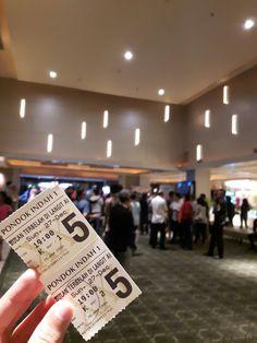 Seriously, this movie is really worthy to watch! Mbak Hanum Rais dan Mas Rangga Almahendra benar2 berhasil menginpirasi banyak orang.