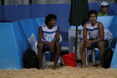 Atletas Erick Flores y Marck Alvarez de Voleibol de Playa