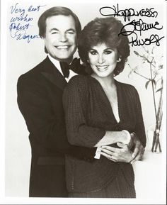 GBP - Hart To Hart - Robert Wagner & Stephanie Powers Autograph Signed Pp Photo Poster Hart Pictures, Stephanie Powers, Australia Funny, Nick And Nora, Nancy Sinatra, Famous Couples, Great Pic, Perfect Couple, Favorite Tv Shows