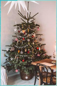Christmas Tree In Basket, Noel Christmas, Merry Little Christmas, Winter Christmas, Vintage Christmas, Christmas Crafts, Christmas Tables, Modern Christmas, Ikea Christmas Tree