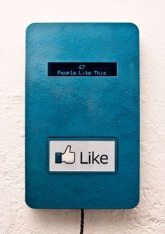 Offline Like Button for Instant Art Critique Like Facebook, Facebook Likes, Interactive Installation, Interactive Art, Installation Art, Art Installations, Interactive Exhibition, Exhibition Space, Social Networks