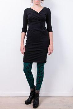 People Tree Dress: http://www.todayisagoodday.be/vrouwen/people-tree-stella-black.html