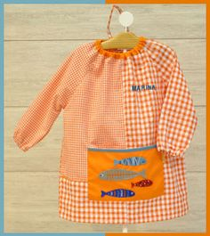 Guardería PECES Sewing, Clothes, Kids Scrubs, Kids Apron, Infants, Baby Things, Aprons, Apron, Sewing Projects