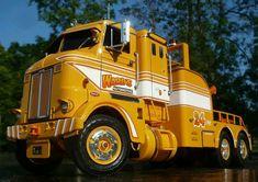 Big Rig Trucks, Tow Truck, Cool Trucks, Cool Cars, Muscle Truck, Equipment Trailers, Truck Scales, Engin, Peterbilt Trucks