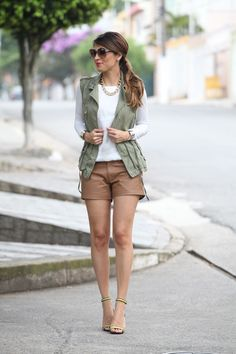 look-parka-colete-short-couro