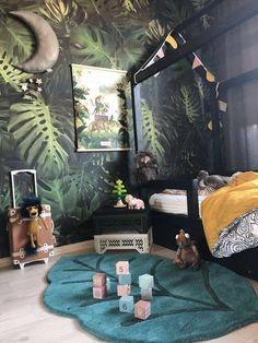 jungle themed kids room with jungle leaf wallpaper, house bed and green leaf area rug #kidsroom #kidsdecor #jungleroom #junglenursery #nurseryideas #nurserydecor Nursery Room Decor, Kids Bedroom, Diy Bedroom Decor, Bedroom Furniture, Bedroom Ideas, Room Girls, Rustic Furniture, Kids Furniture, Nursery Art