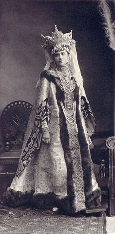 Maria Pavlovna Rodzyanko (née Princess Galitzine) - maid of honor, dressed as a Boyarina of the 17th century.