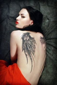 Angel Wings Tattoos for Girls Do you want to know something about angel wing tattoos? Check here to know more about angel wings tattoos d. 3d Tattoos, Feather Tattoos, Love Tattoos, Sexy Tattoos, Body Art Tattoos, Tattoos For Women, Tattoos For Guys, Angel Wings Tattoo On Back, Wing Tattoos On Back