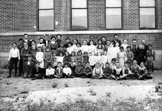 Group portrait of students at Morningside Elementary school, circa 1900. The school is located at 576 Maclay Avenue in San Fernando, California. San Fernando Valley Historical Society. San fernando Valley History Digital Library.