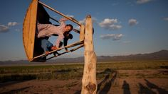 (National Geographic) Homemade Swing, Nevada by Stephanie Sinclair via: www.udomag.com