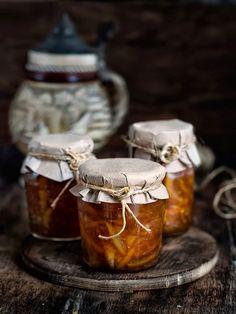 Rústica: Mermelada de Naranja & Jengibre al Ron make orange marmalade with ginger and rum Pesto, Food Photography Styling, Food Styling, Marmalade Recipe, Marmalade Jam, Salsa Dulce, Homemade Liquor, Jam And Jelly, Vegetable Drinks