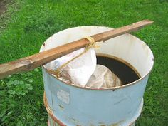 Compost tea for the hydroponic garden! Would you like scones with that? Compost tea for t Permaculture, Hydroponic Farming, Hydroponic Growing, Hydroponics, Organic Liquid Fertilizer, Organic Compost, Organic Gardening Tips, Organic Pesticides, Organic Farming