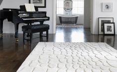 Alfombra Croc : A luxury wool rug with sculptured deep pile carved effects