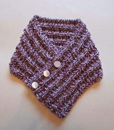 Here is my latest free pattern for you ~ a cosy neckwarmer I really enjoyed making this - but I...