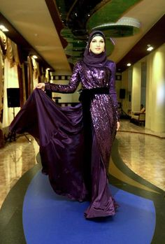 Muslim Wedding Dresses faineemae: Design by Firdaws Fashion House founded by Medni Kadyrova If this… Muslim Women Fashion, Arab Fashion, Islamic Fashion, Beautiful Hijab, Beautiful Gowns, Beautiful Clothes, Modest Outfits, Modest Fashion, Skirt Outfits