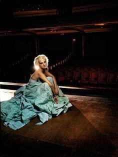 Эшли Симпсон (Ashlee Simpson) в фотосессии Джеймса Уайта (James White) для альбома I Am Me (2005), фото 6