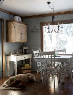 Vintage Whites Blog: A Rustic Farmhouse Christmas