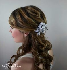 The Kathryn Rhinestone Hair Comb Selah Vie Hair and Makeup Artistry has recently opened our online shop selling a wide variety of Bridal Ribbon Hairbands, Bridal Headbands & Rhinstone Hair Combs. Selah Vie also offers the option to CUSTOM ORDER a hair piece or belt that best suits you! Prices vary and are available to buy online at www.selahvie.ca #Hair #Bridal #photoshoot #BridalHair #BridalBling #HairBling #Rhinestones #Haircombs #Bling #Pictureperfect #Beauty #LoveYourself #londonON…