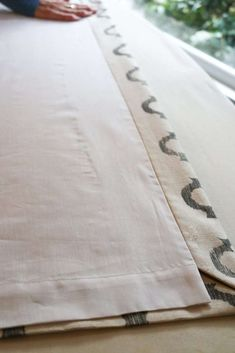 diy curtains An easy way to make a lined drapery panel with a mitered edge. Curtains And Draperies, No Sew Curtains, How To Make Curtains, Lined Curtains, Drapery Panels, Fabric Panels, Valances, Curtain Lining, Sheet Curtains