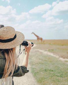 spotting giraffes | safari adventures | roadtripping
