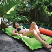 Matelas flottant piscine microbilles Breez