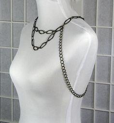 Rocker Body Chain Body Harness Jewelry par NomadicEclectic sur Etsy, $25,00