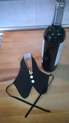 1 million+ Stunning Free Images to Use Anywhere Wine Bottle Covers, Wine Bottle Art, Wine Bottle Crafts, Wedding Wine Glasses, Wedding Bottles, Pocket Craft, Wine Craft, Wine Decor, Painted Wine Glasses