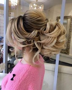 Best Ideas For Wedding Hairstyles : Long Wedding Hairstyles & Bridal Updos via Elstile / www. Bridal Hair Updo, Wedding Hairstyles For Long Hair, Fancy Hairstyles, Bridal Hair And Makeup, Bride Hairstyles, Headband Hairstyles, Bridesmaid Hair Brunette, Bridesmaid Hair Half Up, Prom Hair