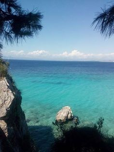 On the way to the hidden beach of Kryoneri #lefkadaslowguide #lefkadazin #lefkada #lefkas #sea #sand #rocks #sky #morning #summer #greece #island #paradise