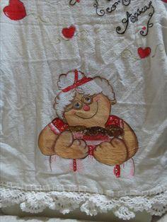Pano de Prato pintado a mão com barrado em crochê