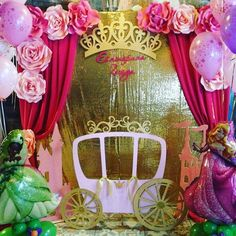 Discover thousands of images about Kids party Paper flowers Princess Theme Party, Disney Princess Party, Princess Birthday, Baby Birthday, 1st Birthday Parties, Paper Flower Backdrop, Paper Flowers, Birthday Party Decorations, Party Themes