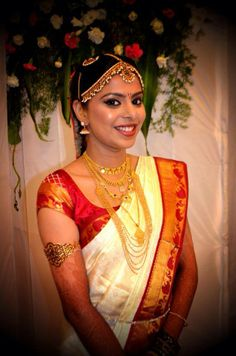 Traditional South Indian Bride Wearing Bridal Saree And Jewellery Muhurat Look